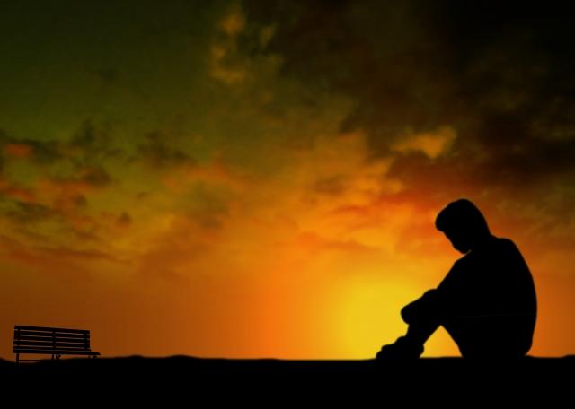 孤独で寂しい人